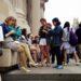 Teknoloji Bizi Yalnızlaştırıyor mu? İki Farklı Bakış Açısı